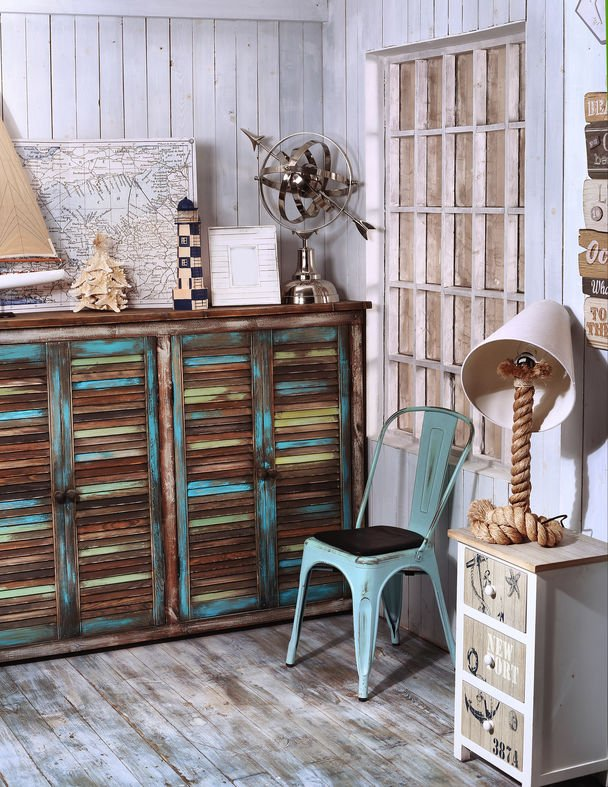 Try shabby chic style to store your shoes!